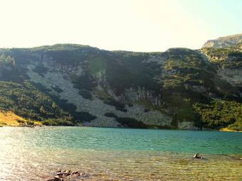 Йончево езеро